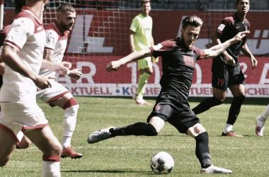 Empate deixa FortunaDüsseldorf com a corda no pescoço, mas livra Augsburg