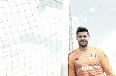 Fabricio con su nueva camiseta. | Imagen: @FulhamFC