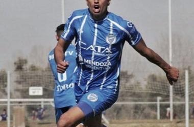 Facundo Altamira debutó ante El Lobo en la goleada por 4 a 0. Foto: Diario Uno.