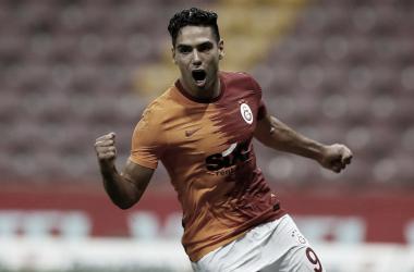 Falcao se estrenó en la Superliga de Turquía 2020-21