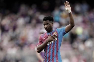 Ansu Fati agradeciendo el apoyo de la afición. / Foto: FC Barcelona