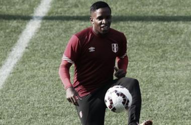 Farfán estuvo presente en el duelo debut frente a Brasil. (Foto: depor.pe)