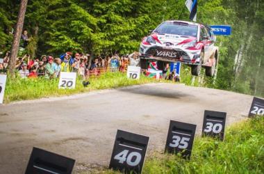 Wrc, Rally di Finlandia - Volano i finlandesi, ma Latvala va out. Neuville ancora in difficoltà