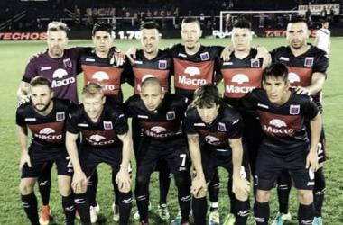 El primer once: Chiarini; Niz, Rodríguez, Bojanich, Abero; Caire, Galmarini, Pereira, Depetris; Luna y Straqcualursi (Foto: @Catigreoficial).