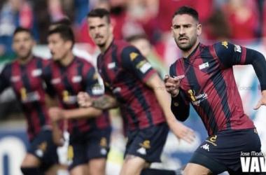 Jugadores del Extremadura en el encuentro contra el Depor // Imagen: José María Colomo (VAVEL)