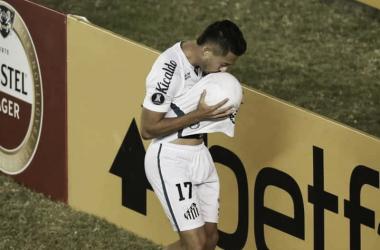 Autor do gol da vitória contra Delfín, Jean Mota reafirma desejo de permanecer no Santos