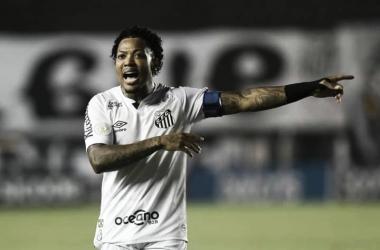 """Capitão pela primeira vez, Marinho enaltece Santos: """"Orgulho maior é vestir essa camisa"""""""