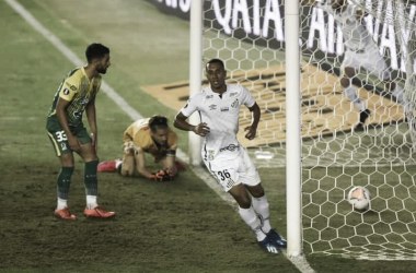"""Lucas Braga se emociona e comemora primeiro gol pelo Santos: """"Sonho realizado"""""""