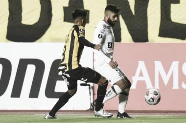 Faltou atitude! Santos perde para The Strongest e se complica na Libertadores
