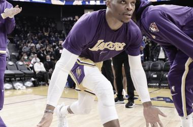 Melhores momentos de Los Angeles Lakers x Phoenix Suns pela pré-temporada da NBA (94-123)