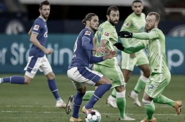 Wolfsburg vence Schalke 04 fora de casa e mantém invencibilidade na Bundesliga
