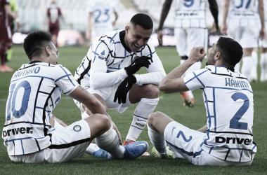 Com gols no segundo tempo, Internazionale derrota e dispara na liderança da Serie A