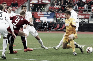 1. FC Nürnberg 2-1 SC Freiburg: Hosts efficient in picking off league leaders