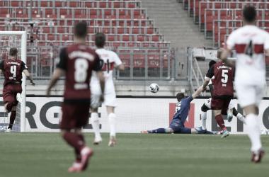 Stuttgart goleiaNürnberg fora de casa e fica a um passo de voltar à Bundesliga