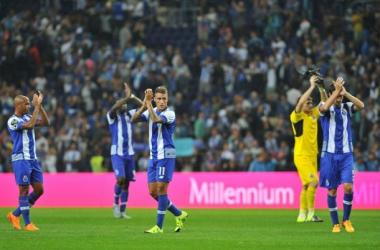 Porto goleia Vitória de Guimarães na estreia oficial de Casillas