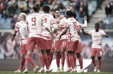 El festejo de los jugadores del Leipzig / Foto: @RBLeipzig