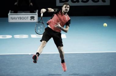 Wawrinka lashes down an overhead (Photo: ATP World Tour)