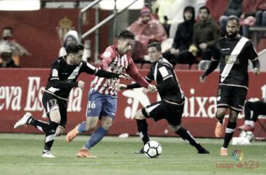Unai López, Bebé y Elustondo durante el partido frente al Sporting de Gijón | Imagen: www.laliga.es