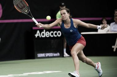 Barbora Strycova durante el primer partido de la final de la Copa Federación 2018 ante Sofía Kenin. Foto: fedcup.com