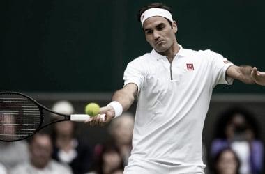Federer perde primeiro set, mas vence Nishikori sem drama nas quartas de Wimbledon