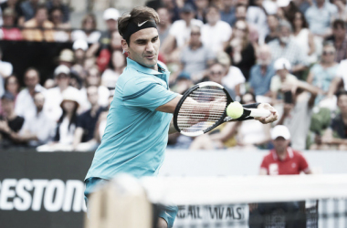 Federer en acción durante su partido de hoy ante Kyrgios. Foto: zimbio.com