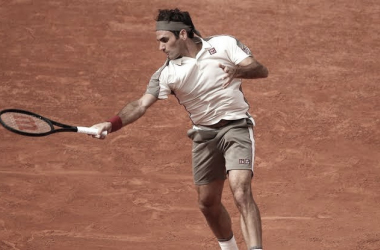 """<div><br></div><div><p style=""""margin-bottom: 0cm; color: rgb(0, 0, 0); font-size: medium; font-style: normal; text-align: start;""""><font style=""""font-size: 16pt;""""><b>Roger Federer Foto Roland Garros</b></font></p></div>"""