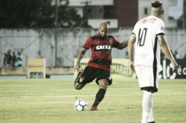 """Fellipe Bastos deixa estreia pelo Sport lesionado e não preocupa: """"Provavelmente foi estiramento"""""""