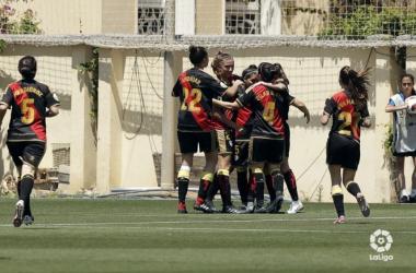 El equipo celebrando uno de los goles de Oriana. Fotografía: La Liga