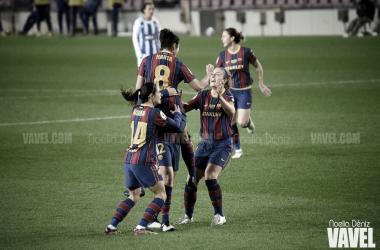 El equipo, celebrando un gol en el Camp Nou. Foto: Noelia Déniz.
