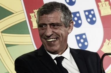 Fernando Santos vai cumprir dois jogos de castigo(Foto: m.goal.com)