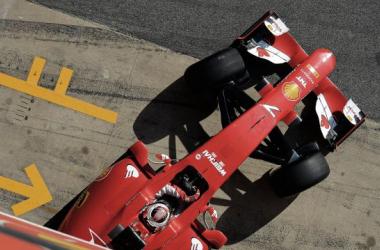 Kimi Räikkönen no SF15-T (Foto: Ferrari/Ercole Colombo).
