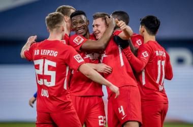 Leipzig goleó a un Schalke que se hunde cada vez más