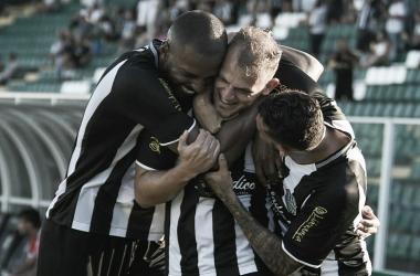 Apesar de liderança e nova vitória, Hemerson Maria reforça que Figueirense 'tem que ser melhor'