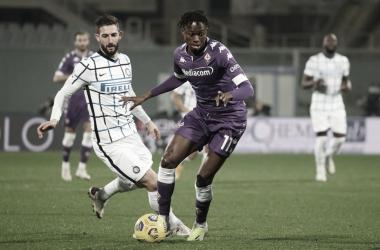 Internazionale bate Fiorentina fora de casa e assume liderança provisória da Serie A