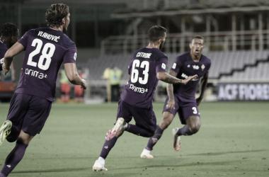 Cutrone marca no apagar das luzes e evita derrota da Fiorentina contra Verona