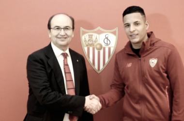 Guilherme Arana el día de su firma con el Sevilla | Foto: SFC