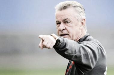 """Hitzfeld: """"Nos tuvimos que adaptar al juego tan rápido de Ecuador"""""""