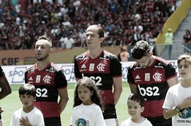 """Campeão da Supercopa do Brasil, Filipe Luís critica CBF: """"É desumano jogar às 11h"""""""