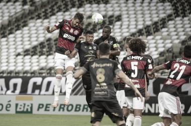"""Domènec Torrent lamenta desatenção do Flamengo após derrota para Ceará: """"Perdemos o controle"""""""