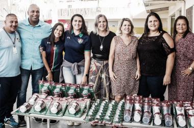 Fluminense realiza doações de produtos infantis à comunidade próxima ao CT