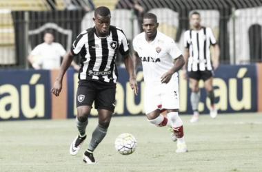 """Ricardo Gomes fala sobre empate sofrido no fim: """"Faltou experiência e isso tem peso"""""""