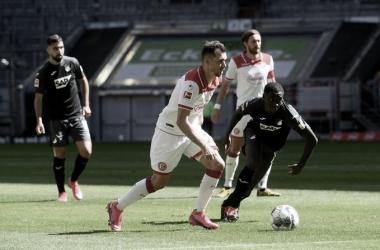 Em jogo movimentado e com expulsão, Fortuna Düsseldorf e Hoffenheim empatam pela Bundesliga