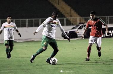 Boa Esporte vence Sampaio Corrêa em casa na disputa entre lanternas da Série B