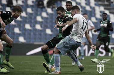 Com metas distantes e sonhos reais, Lazio busca recuperação diante de ascendente Sassuolo