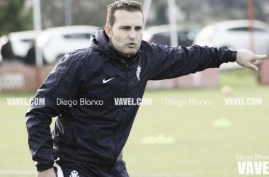 Rubén Baraja dando instrucciones en un entrenamiento. | Foto: Diego Blanco-VAVEL