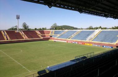 Sem vencer há quatro jogos, Joinville enfrenta o Boa Esporte