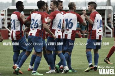 Los jugadores del Sporting celebran un gol durante un partido. // Foto: Diego Blanco-VAVEL