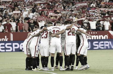 Jugadores del Sevilla Fc antes de comenzar el partido | Foto Sevilla FC