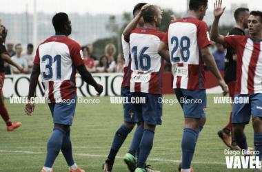 Los jugadores del Sporting celebran un gol. // Foto: Diego Blanco-VAVEL