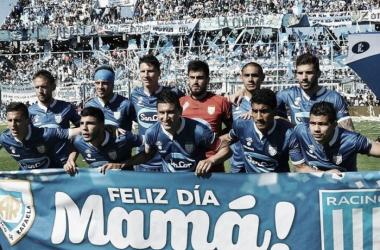 El equipo previo al partido. // Foto: Imagen Web.